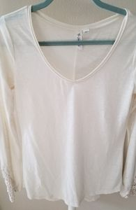 Cream Longsleeve with Lace detail